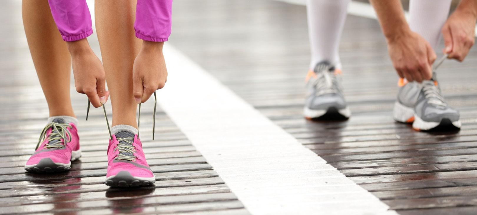 96ac4a281cdf6 La forma della scarpa. La differenza principale tra le scarpe da running per  uomo e per donna ...